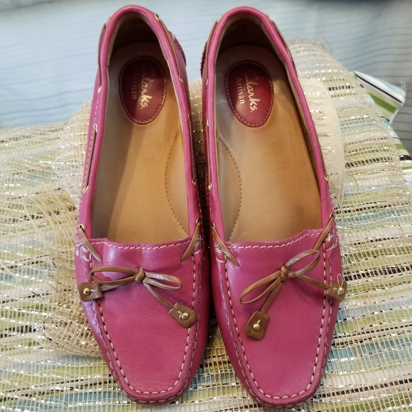 317ff5047fb Clarks Shoes - Pink Clark Artisan Loafers 8M